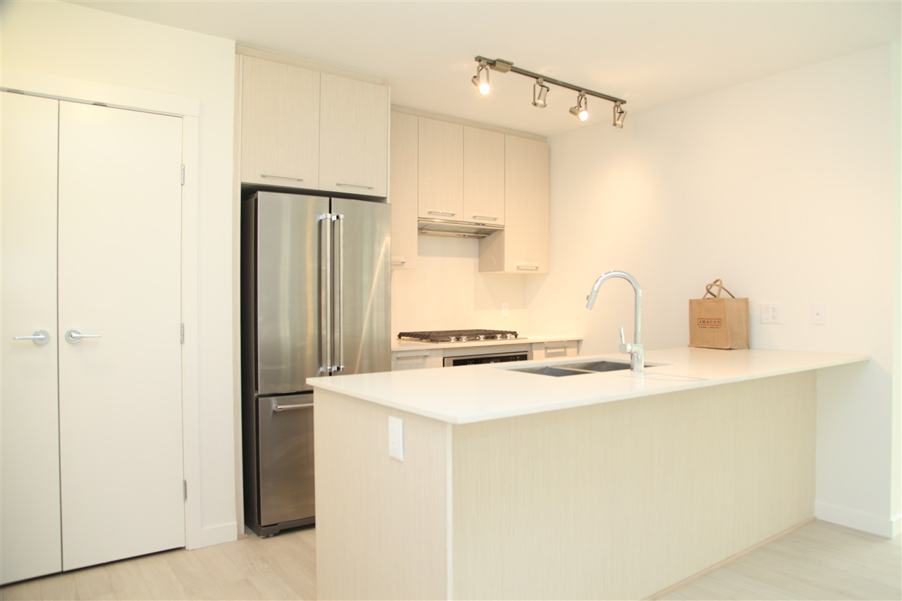 Condo Apartment at 509 5619 CEDARBRIDGE WAY, Unit 509, Richmond, British Columbia. Image 2