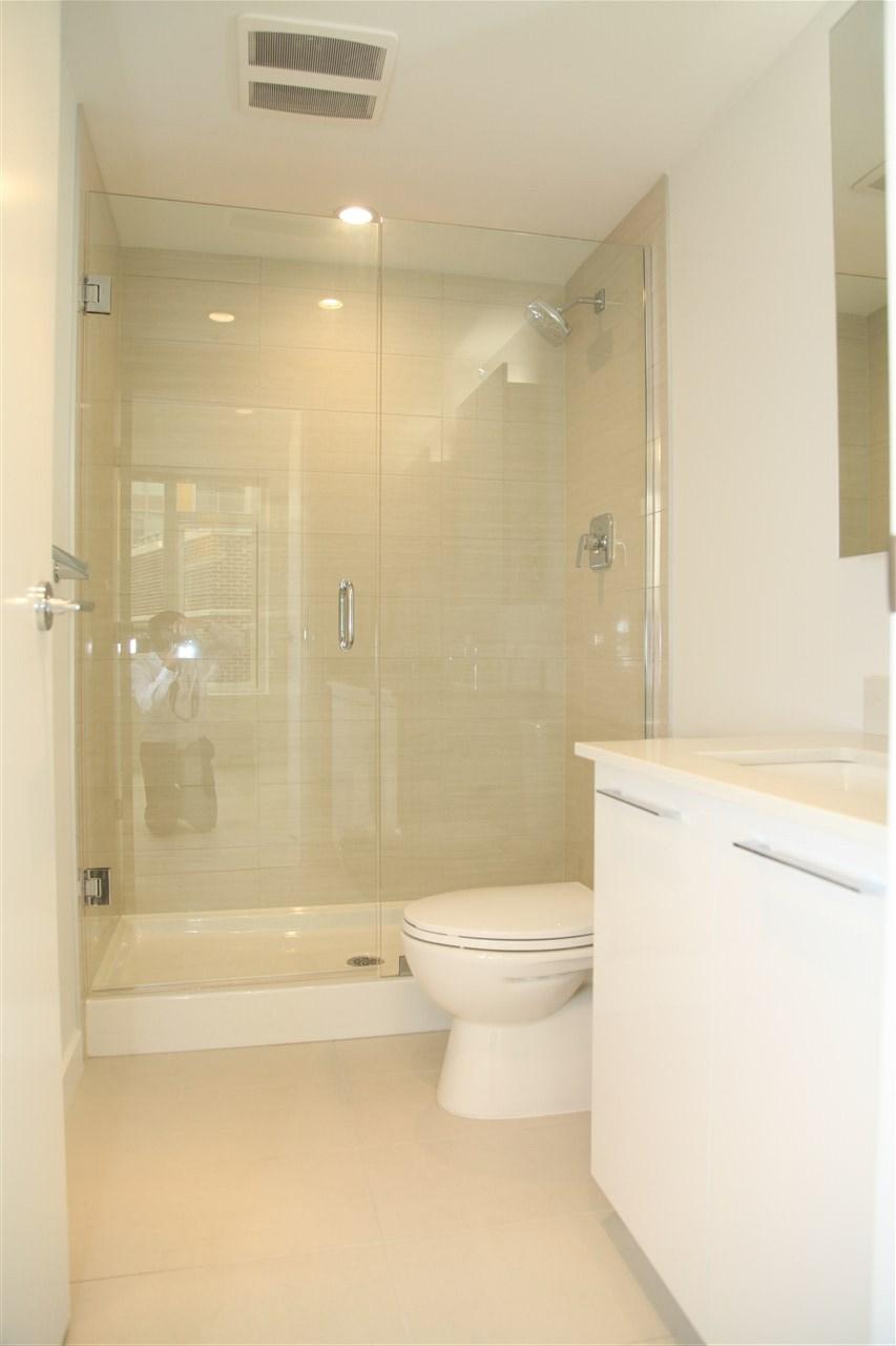 Condo Apartment at 509 5619 CEDARBRIDGE WAY, Unit 509, Richmond, British Columbia. Image 14