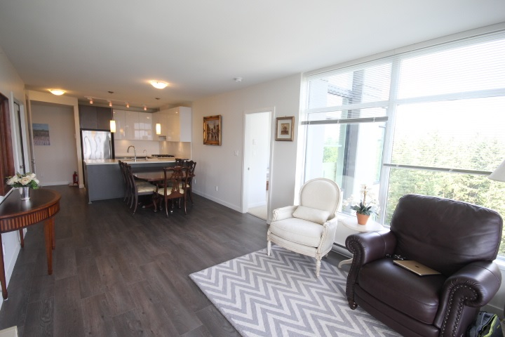 Condo Apartment at 2002 3080 LINCOLN AVENUE, Unit 2002, Coquitlam, British Columbia. Image 2