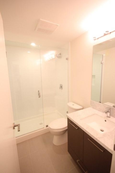 Condo Apartment at 2002 3080 LINCOLN AVENUE, Unit 2002, Coquitlam, British Columbia. Image 12