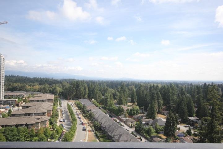 Condo Apartment at 2002 3080 LINCOLN AVENUE, Unit 2002, Coquitlam, British Columbia. Image 17