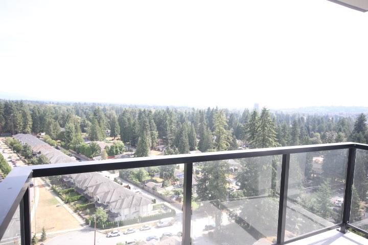 Condo Apartment at 2002 3080 LINCOLN AVENUE, Unit 2002, Coquitlam, British Columbia. Image 18