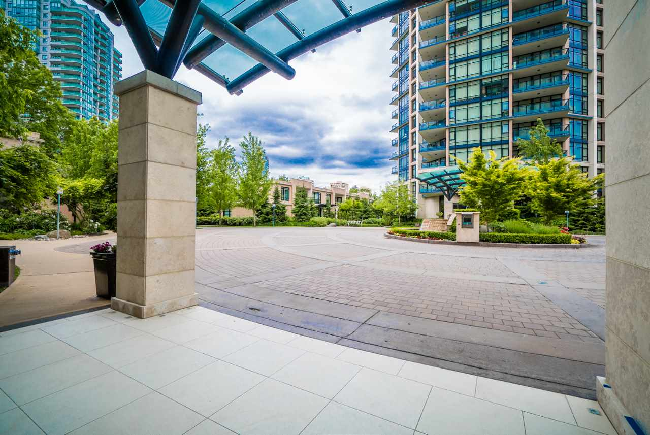 Condo Apartment at 405 6188 WILSON AVENUE, Unit 405, Burnaby South, British Columbia. Image 5