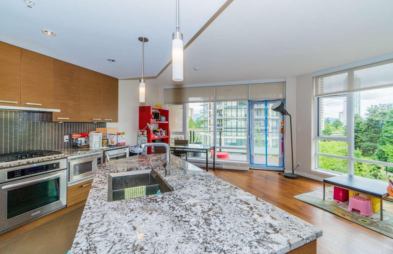 Condo Apartment at 405 6188 WILSON AVENUE, Unit 405, Burnaby South, British Columbia. Image 8