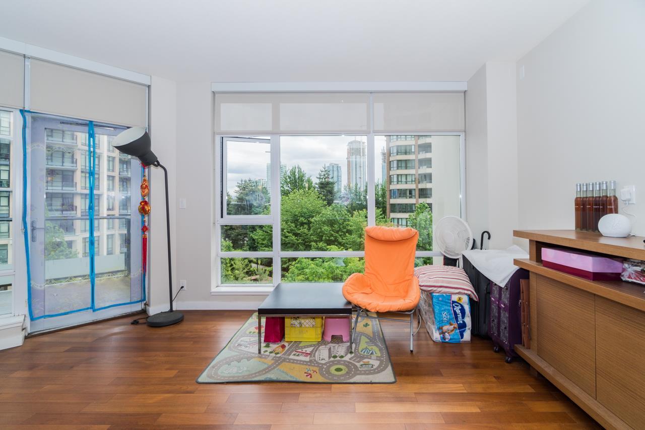 Condo Apartment at 405 6188 WILSON AVENUE, Unit 405, Burnaby South, British Columbia. Image 13