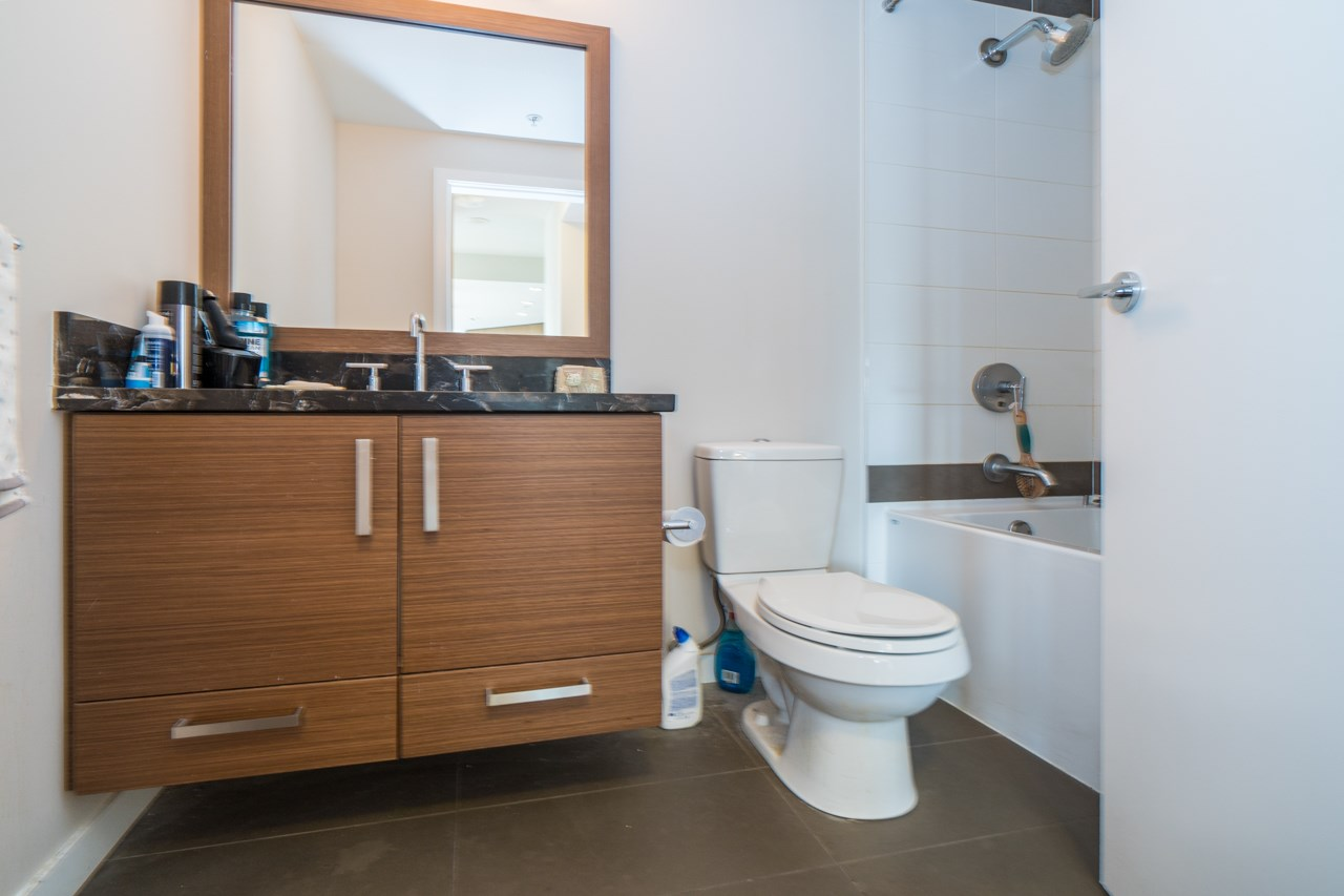 Condo Apartment at 405 6188 WILSON AVENUE, Unit 405, Burnaby South, British Columbia. Image 14
