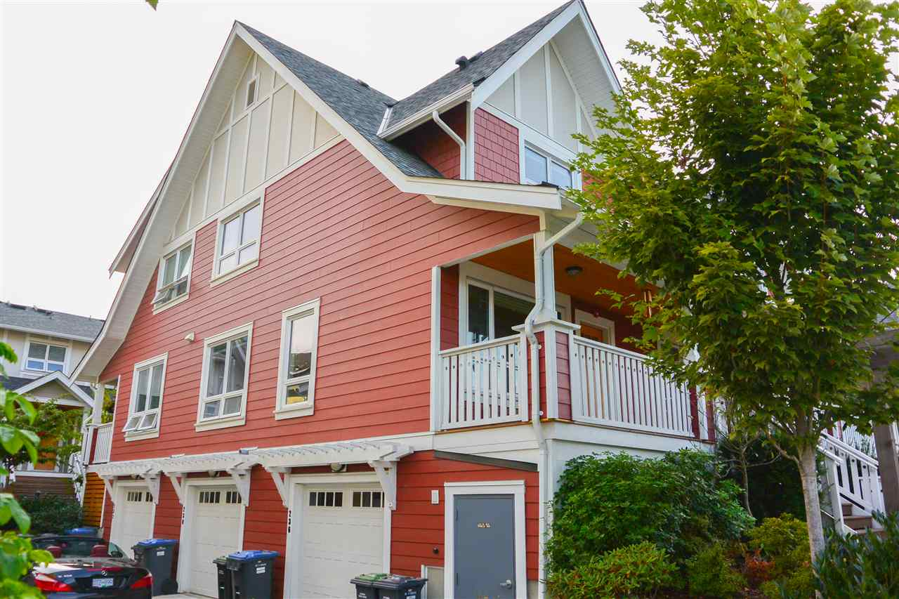 Townhouse at 230 CAMATA STREET, New Westminster, British Columbia. Image 2