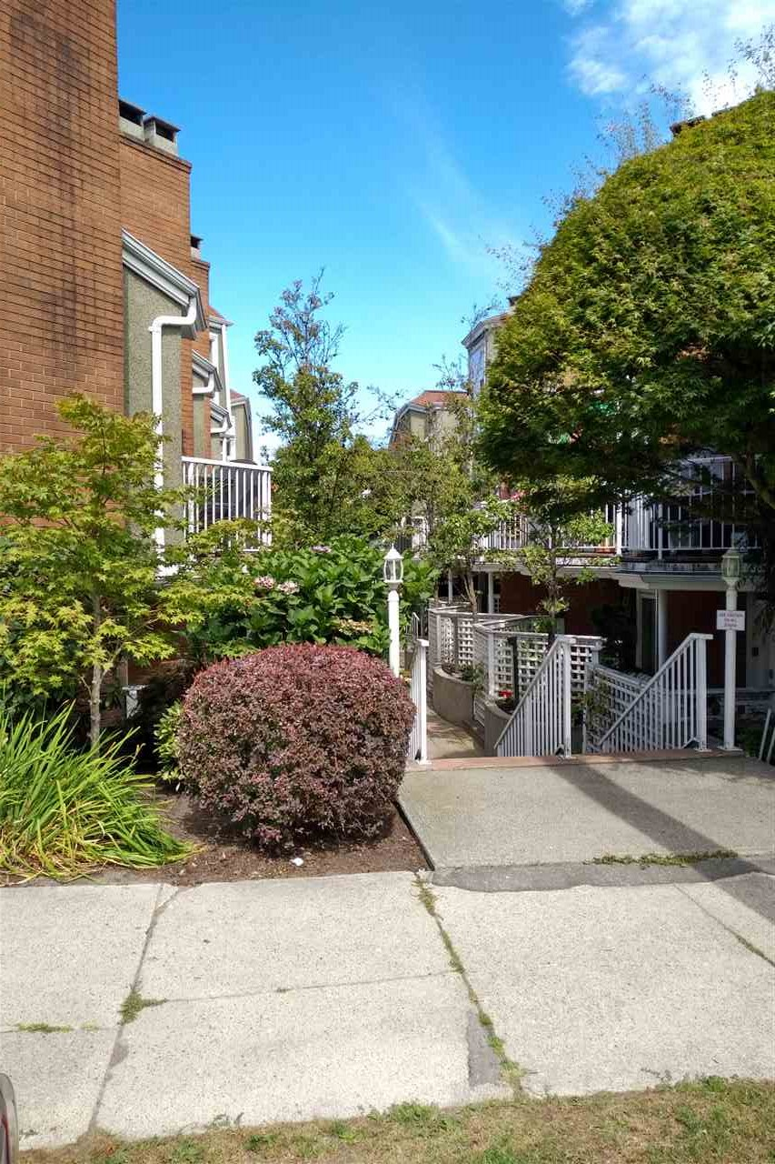 Townhouse at 103 1045 W 8TH AVENUE, Unit 103, Vancouver West, British Columbia. Image 5