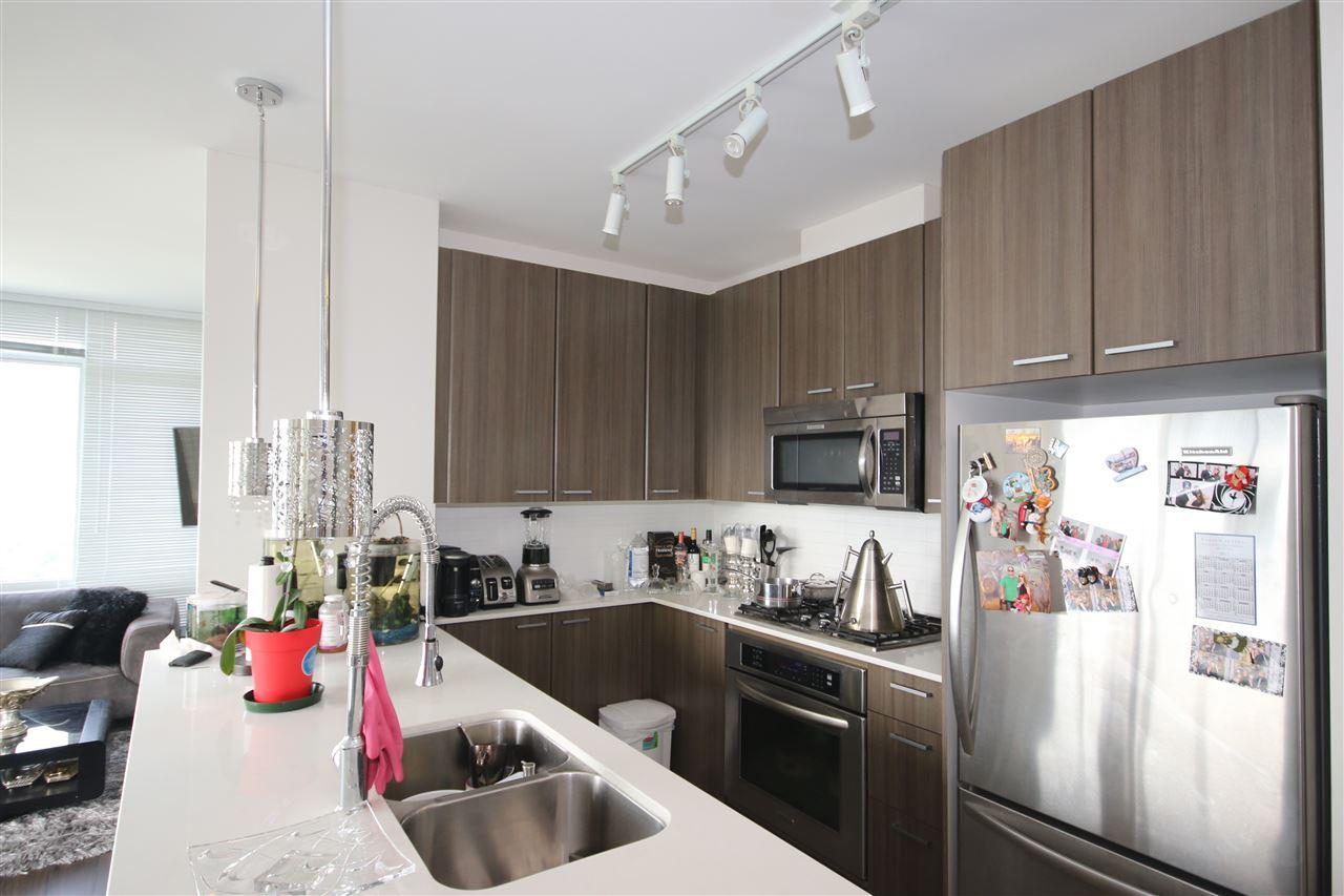 Condo Apartment at 3009 2955 ATLANTIC AVENUE, Unit 3009, Coquitlam, British Columbia. Image 3