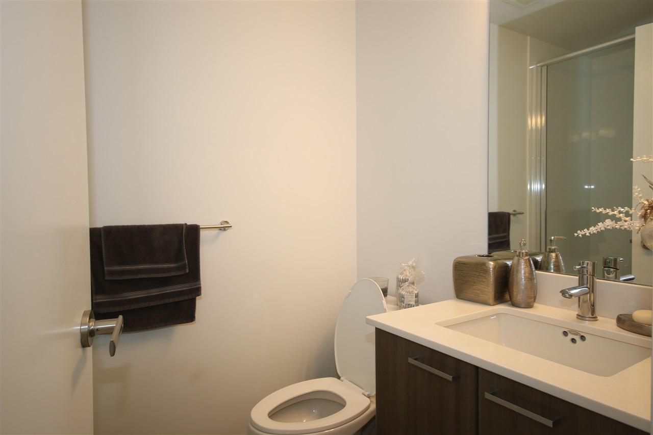 Condo Apartment at 3009 2955 ATLANTIC AVENUE, Unit 3009, Coquitlam, British Columbia. Image 8