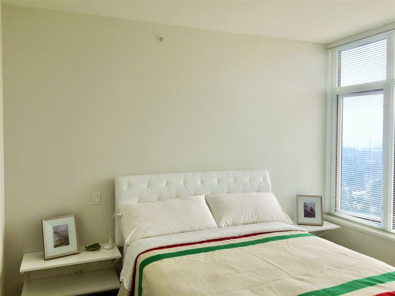 Condo Apartment at 3904 3080 LINCOLN AVENUE, Unit 3904, Coquitlam, British Columbia. Image 2