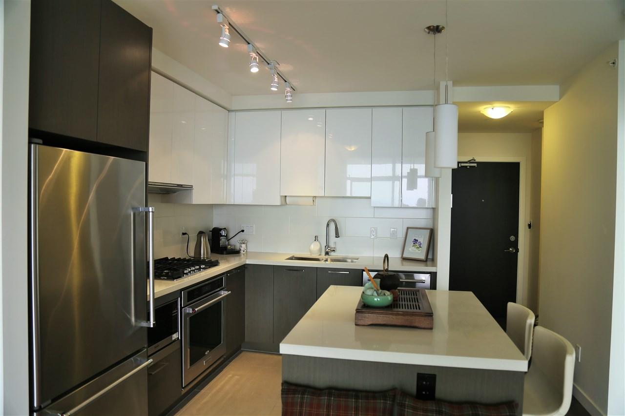 Condo Apartment at 3904 3080 LINCOLN AVENUE, Unit 3904, Coquitlam, British Columbia. Image 3