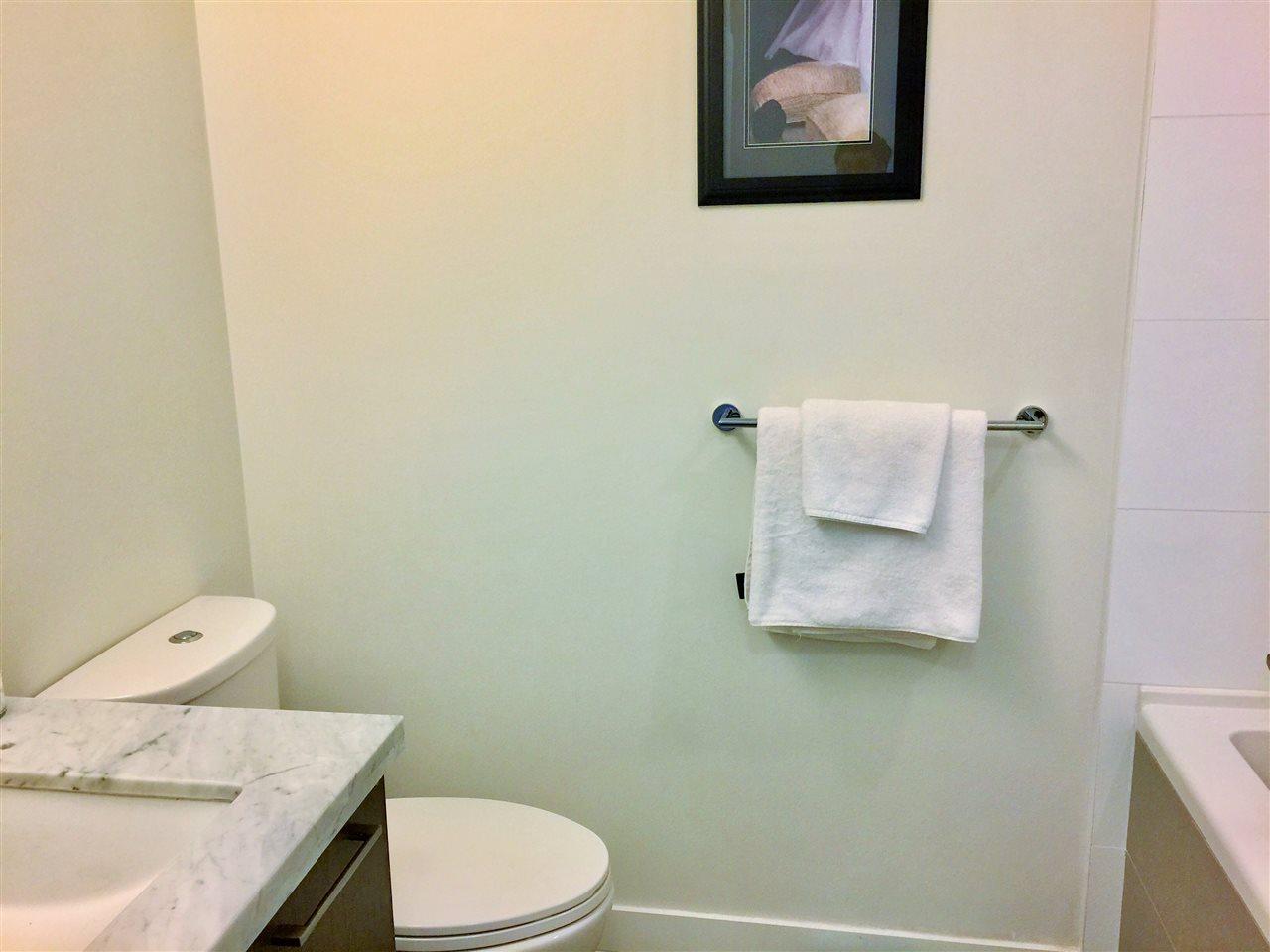 Condo Apartment at 3904 3080 LINCOLN AVENUE, Unit 3904, Coquitlam, British Columbia. Image 8
