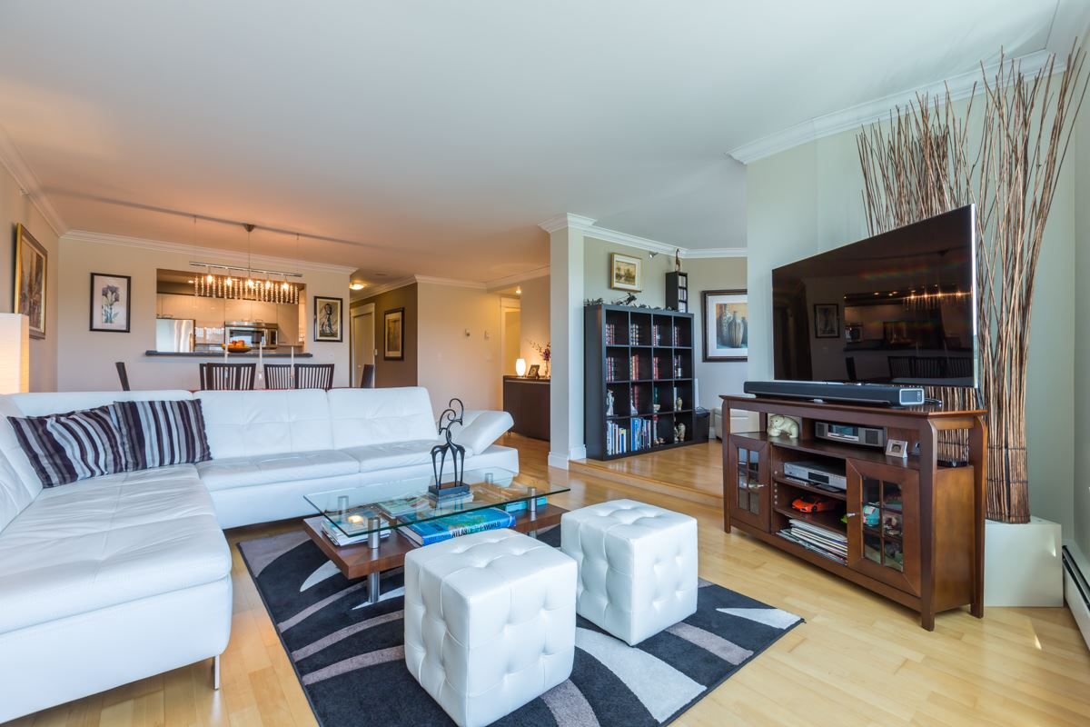 Condo Apartment at 303 388 DRAKE STREET, Unit 303, Vancouver West, British Columbia. Image 2
