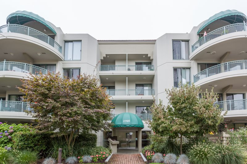 Condo Apartment at 102 1705 MARTIN DRIVE, Unit 102, South Surrey White Rock, British Columbia. Image 1