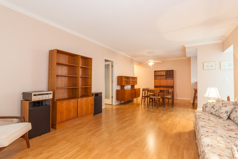 Condo Apartment at 102 1705 MARTIN DRIVE, Unit 102, South Surrey White Rock, British Columbia. Image 5
