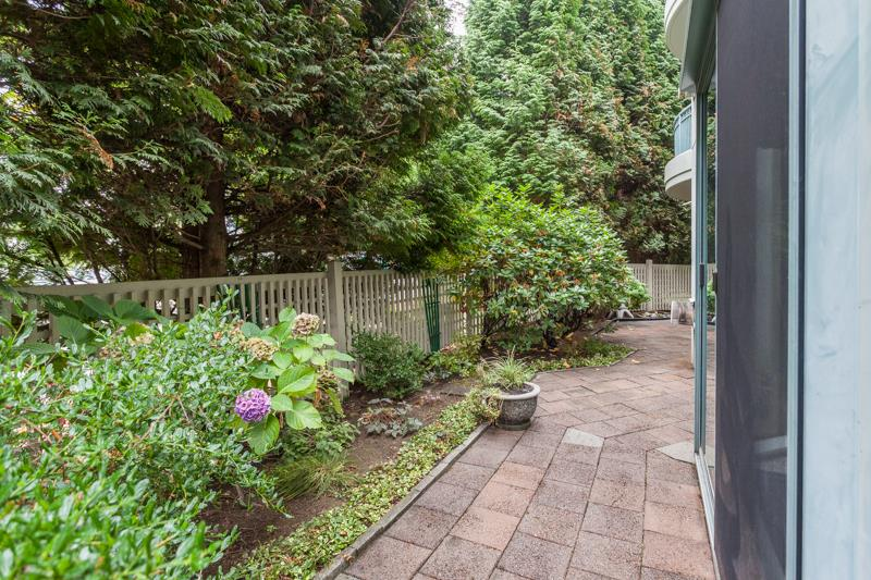 Condo Apartment at 102 1705 MARTIN DRIVE, Unit 102, South Surrey White Rock, British Columbia. Image 17