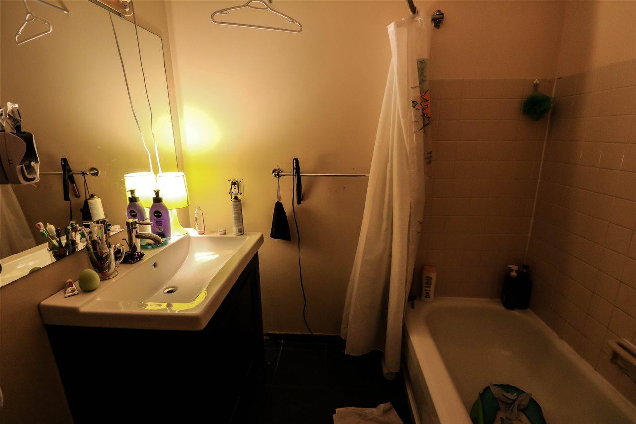 Condo Apartment at 313 14925 100 AVENUE, Unit 313, North Surrey, British Columbia. Image 9