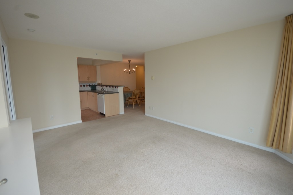 Condo Apartment at 401 4788 HAZEL STREET, Unit 401, Burnaby South, British Columbia. Image 10