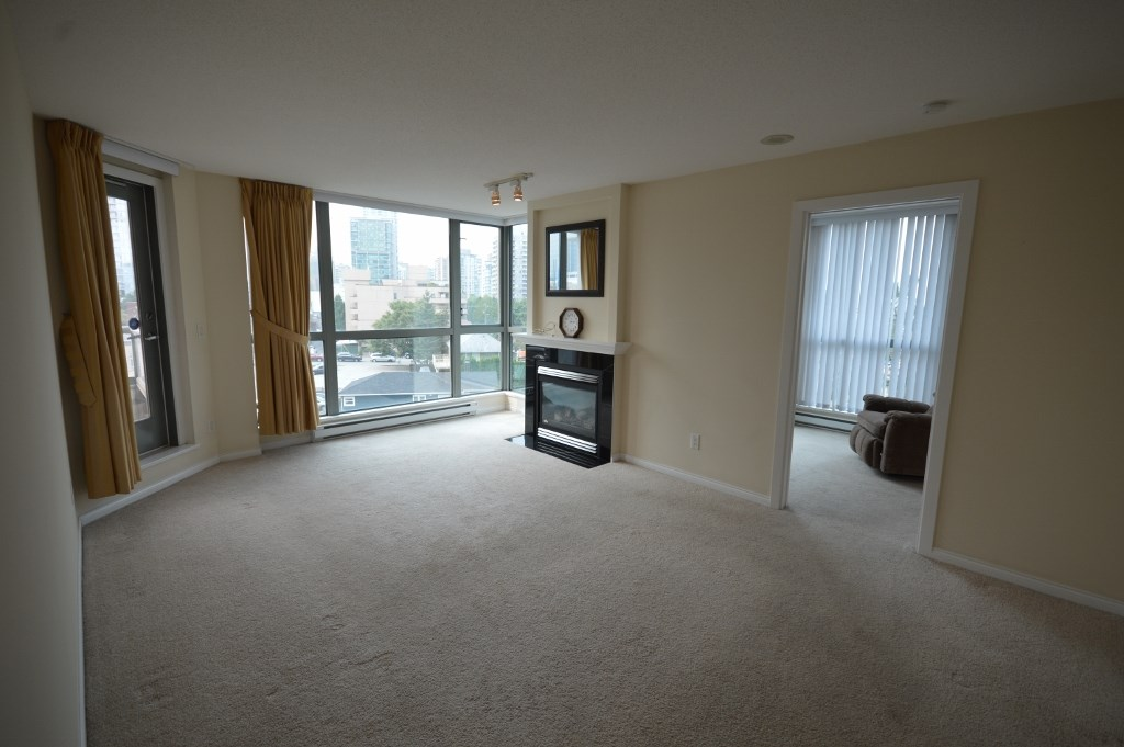 Condo Apartment at 401 4788 HAZEL STREET, Unit 401, Burnaby South, British Columbia. Image 11
