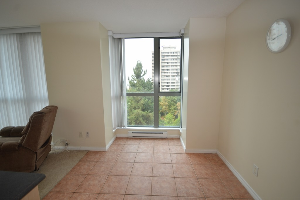 Condo Apartment at 401 4788 HAZEL STREET, Unit 401, Burnaby South, British Columbia. Image 14
