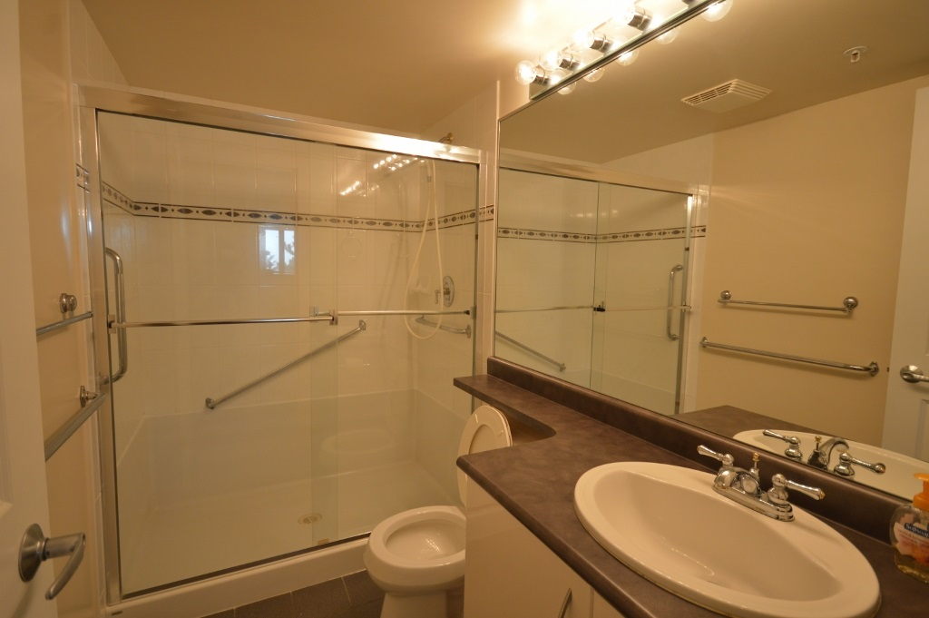 Condo Apartment at 401 4788 HAZEL STREET, Unit 401, Burnaby South, British Columbia. Image 16