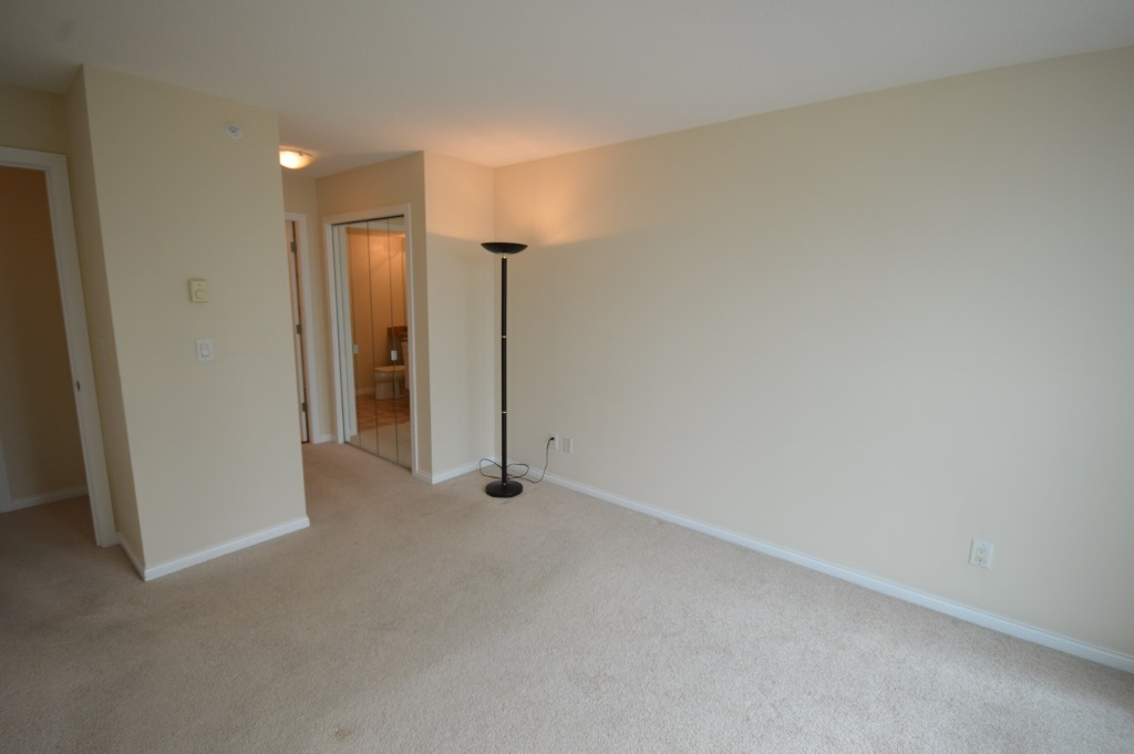 Condo Apartment at 401 4788 HAZEL STREET, Unit 401, Burnaby South, British Columbia. Image 19