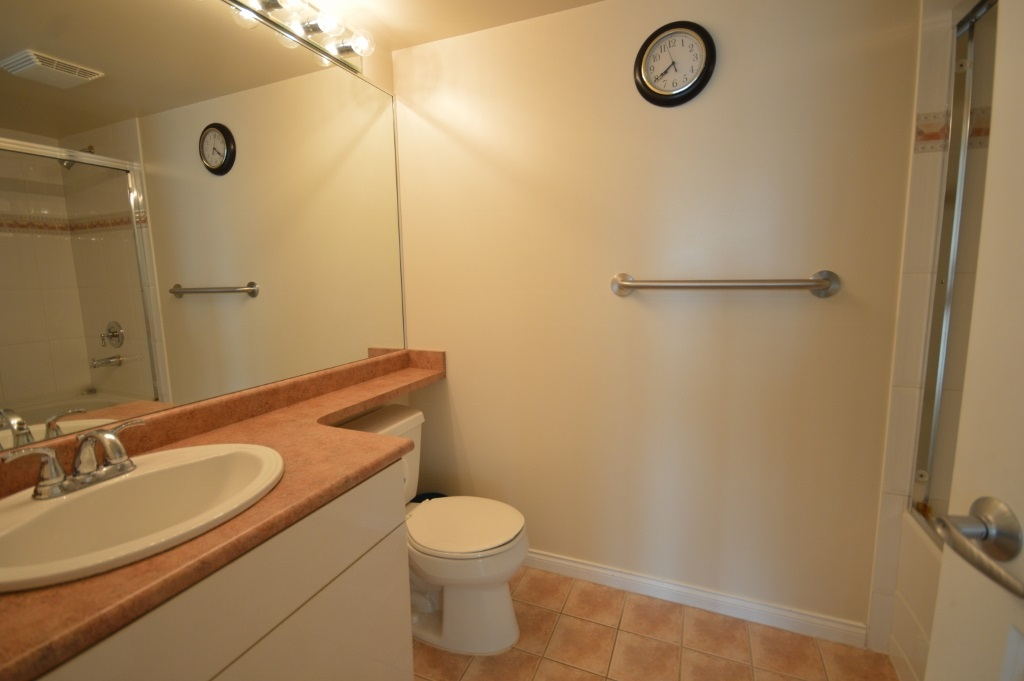 Condo Apartment at 401 4788 HAZEL STREET, Unit 401, Burnaby South, British Columbia. Image 20