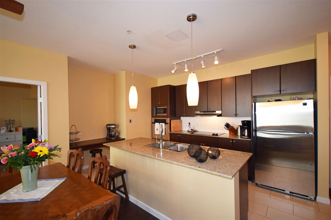 Condo Apartment at 316 15322 101 AVENUE, Unit 316, North Surrey, British Columbia. Image 4