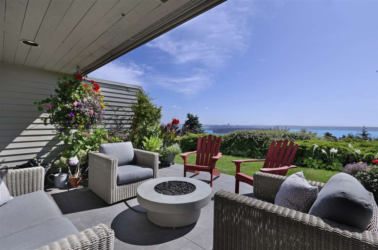 Condo Apartment at 12 2246 FOLKESTONE WAY, Unit 12, West Vancouver, British Columbia. Image 1