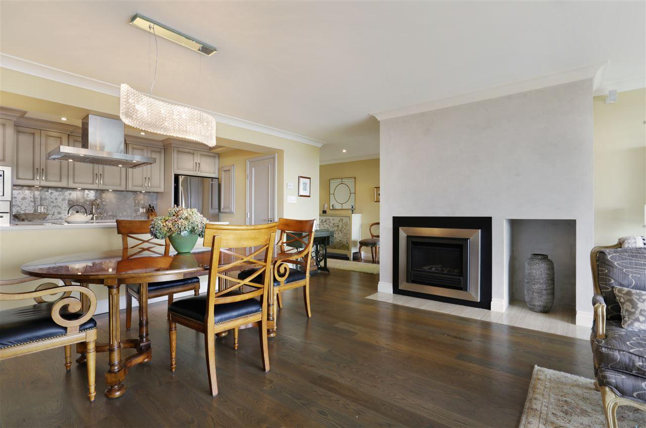 Condo Apartment at 12 2246 FOLKESTONE WAY, Unit 12, West Vancouver, British Columbia. Image 3