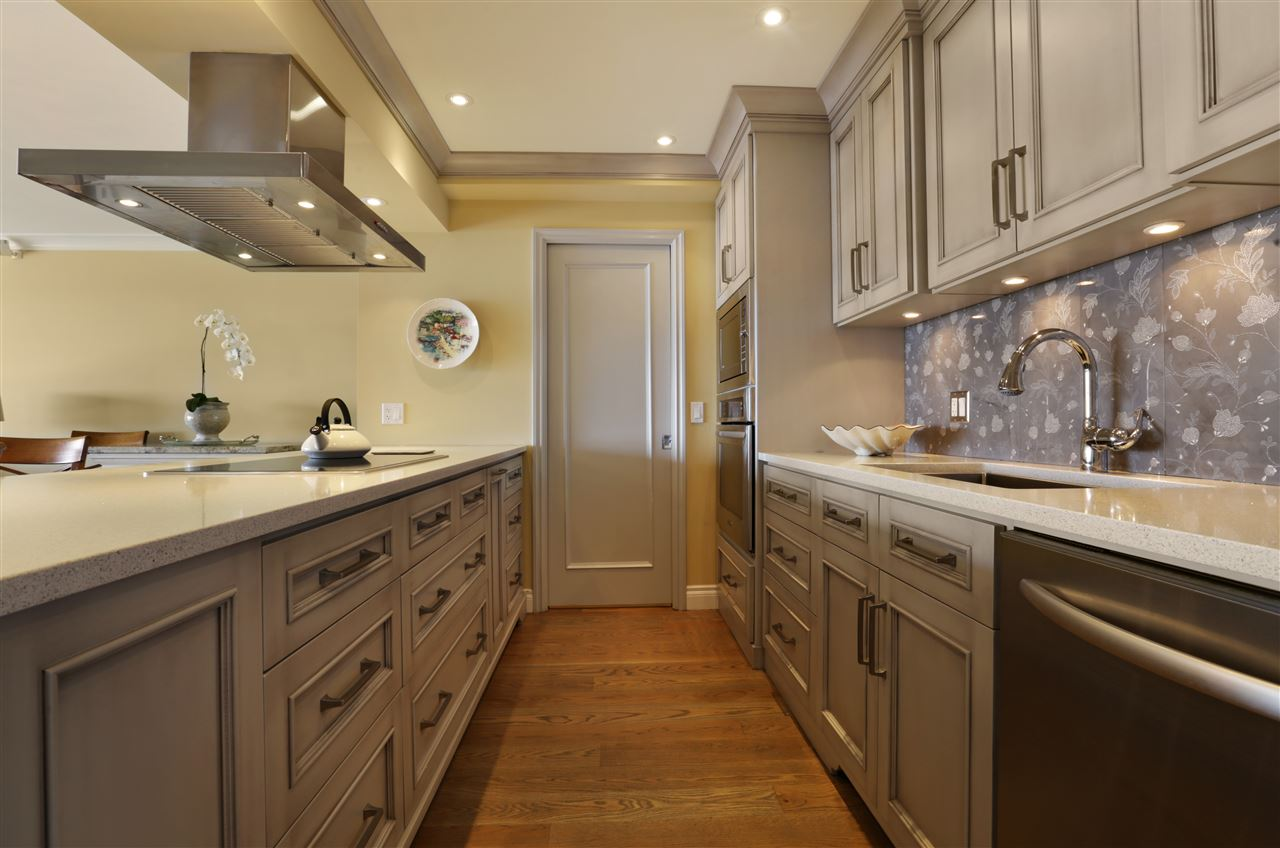 Condo Apartment at 12 2246 FOLKESTONE WAY, Unit 12, West Vancouver, British Columbia. Image 4