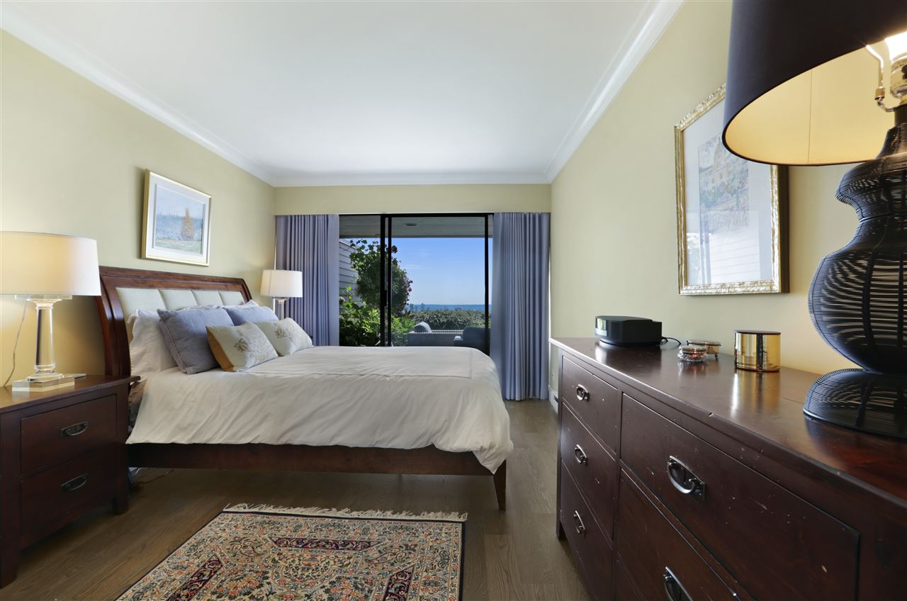 Condo Apartment at 12 2246 FOLKESTONE WAY, Unit 12, West Vancouver, British Columbia. Image 8