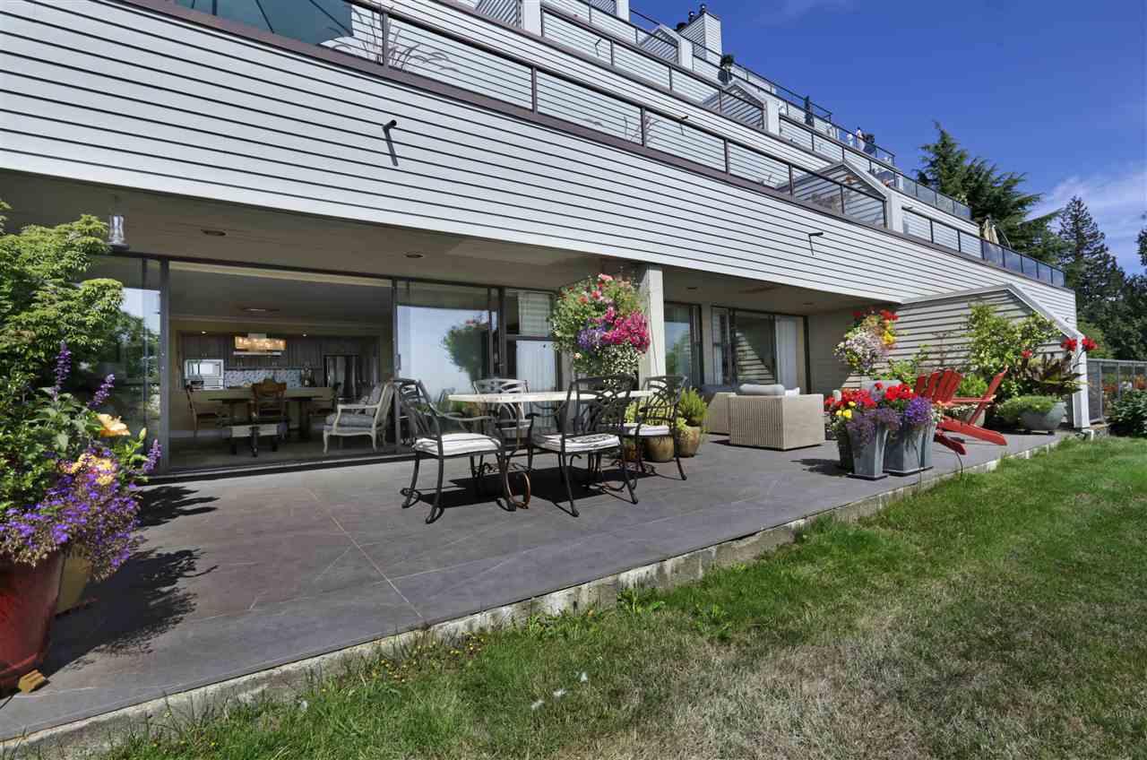 Condo Apartment at 12 2246 FOLKESTONE WAY, Unit 12, West Vancouver, British Columbia. Image 12