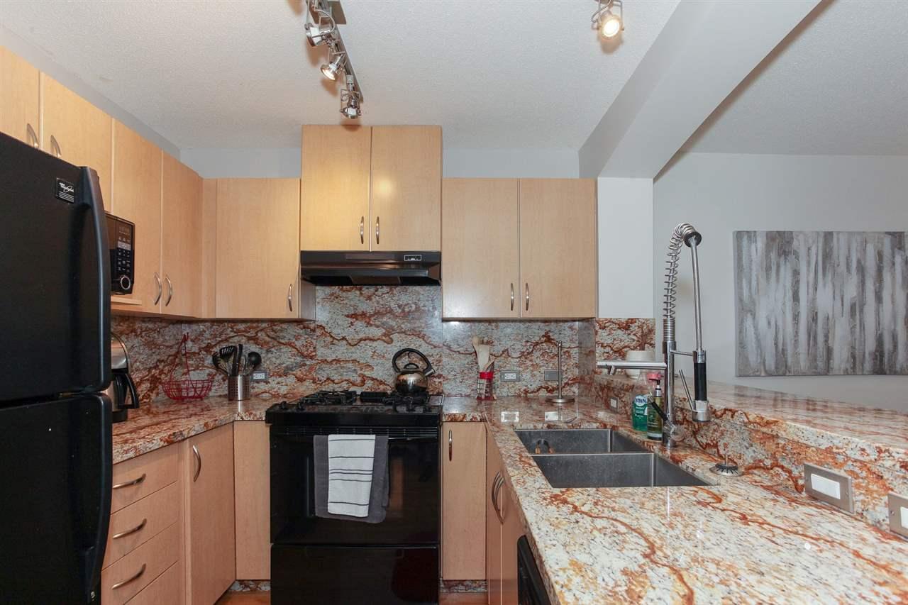 Condo Apartment at 105 2998 SILVER SPRINGS BLV, Unit 105, Coquitlam, British Columbia. Image 9