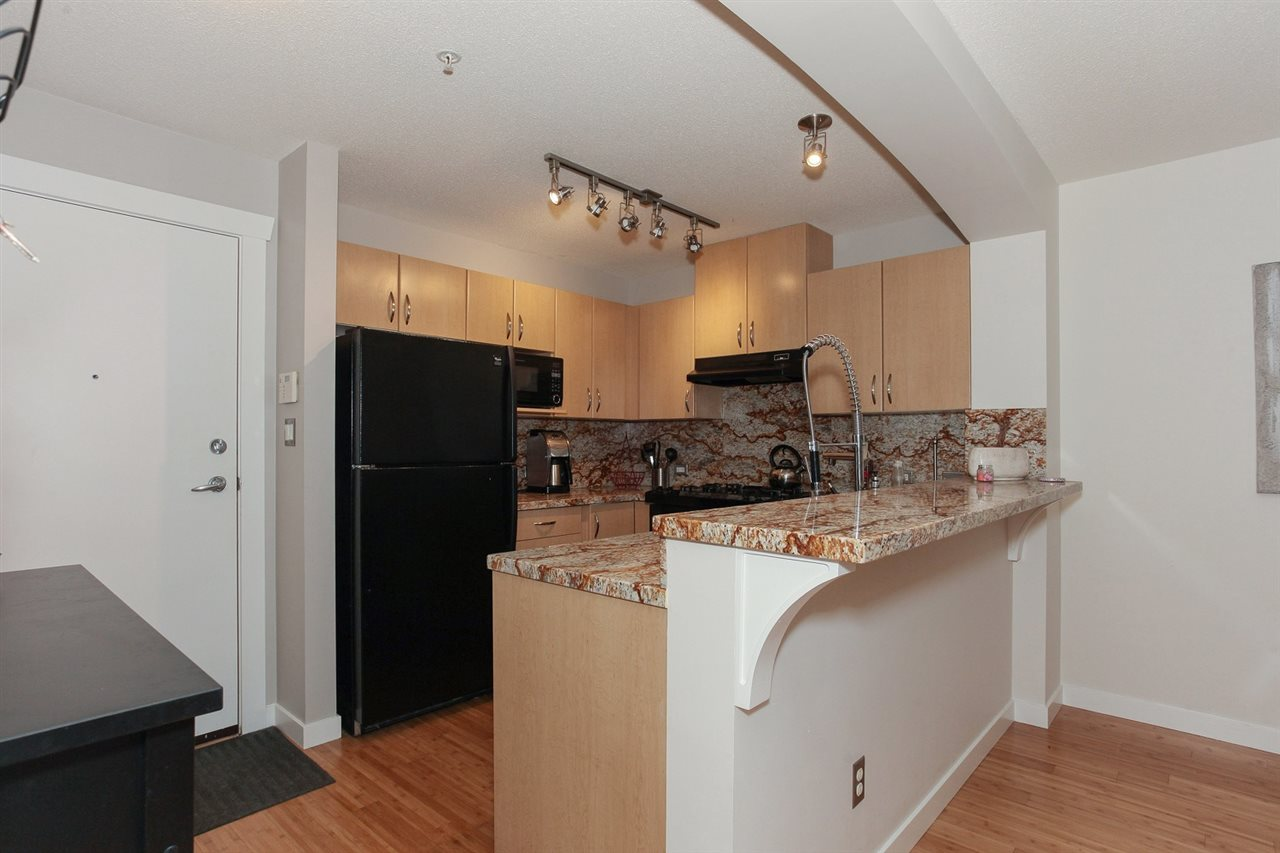 Condo Apartment at 105 2998 SILVER SPRINGS BLV, Unit 105, Coquitlam, British Columbia. Image 10