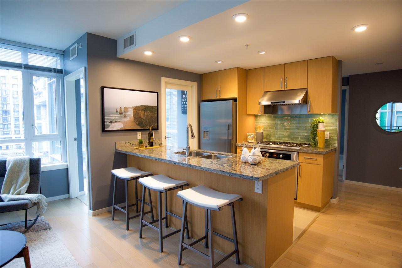 Condo Apartment at 707 89 W 2ND AVENUE, Unit 707, Vancouver West, British Columbia. Image 4