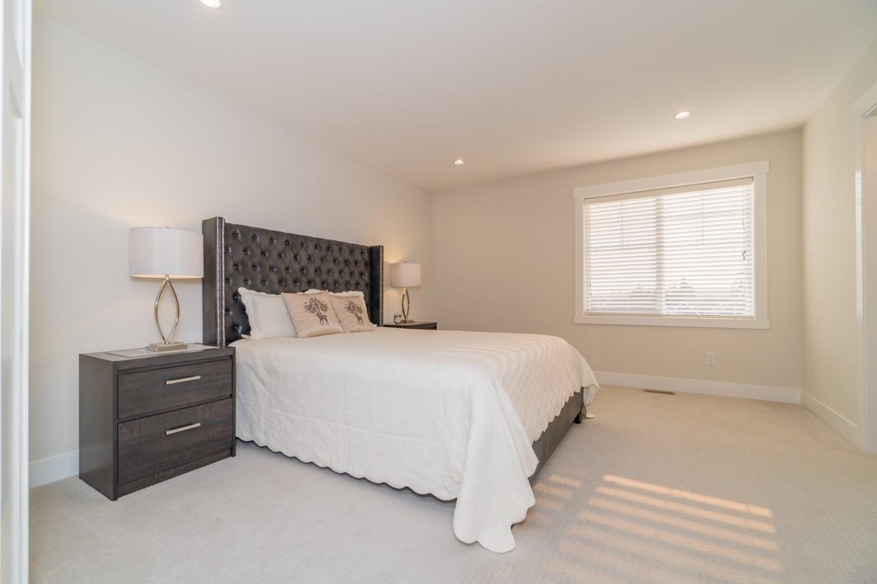 Half-duplex at 2259 165 STREET, South Surrey White Rock, British Columbia. Image 9