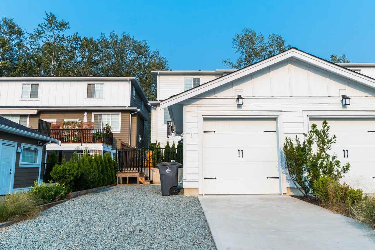 Half-duplex at 2259 165 STREET, South Surrey White Rock, British Columbia. Image 18