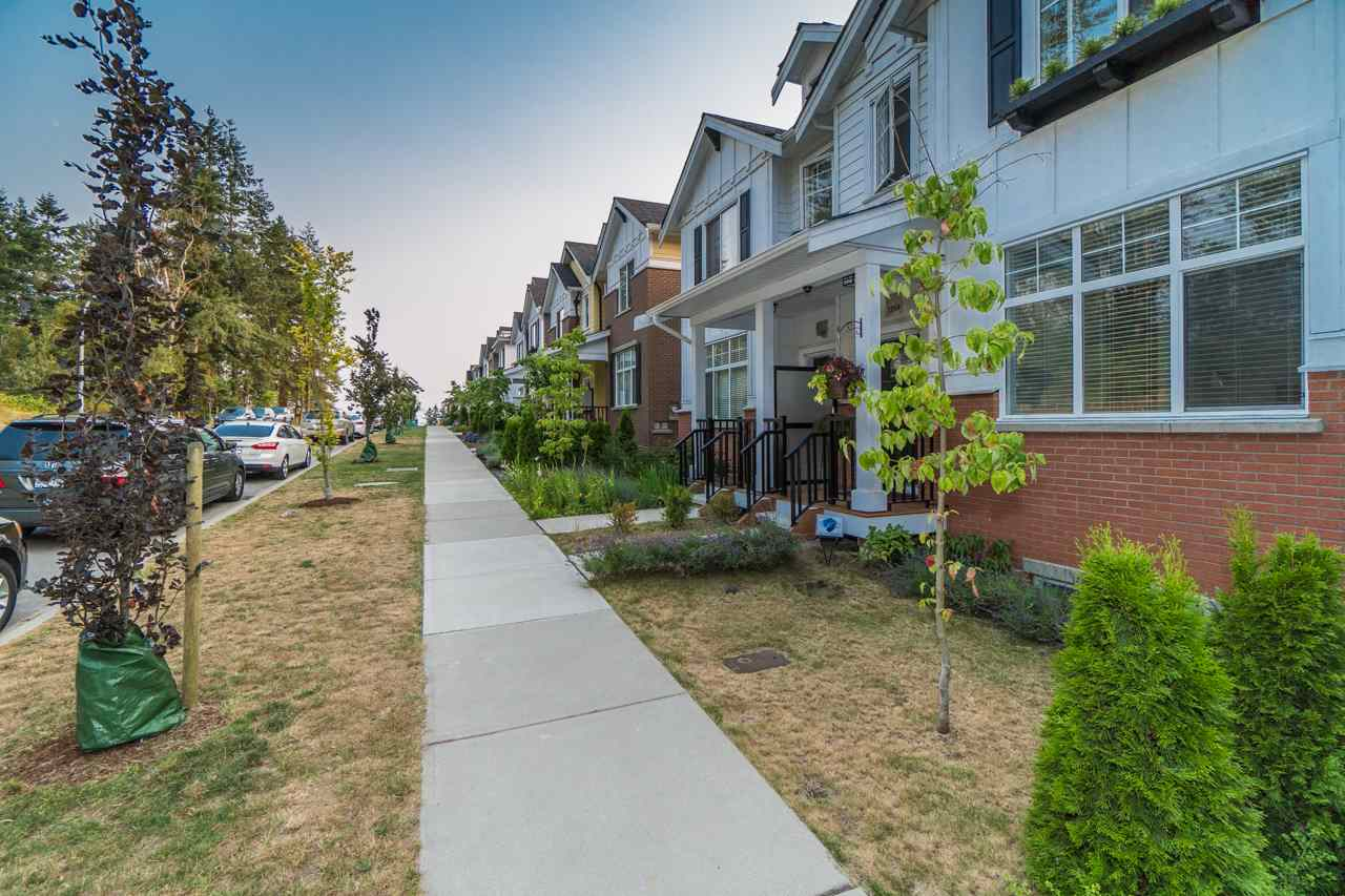 Half-duplex at 2259 165 STREET, South Surrey White Rock, British Columbia. Image 19