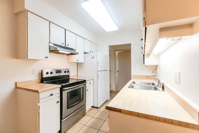 Condo Apartment at 408 4373 HALIFAX STREET, Unit 408, Burnaby North, British Columbia. Image 3