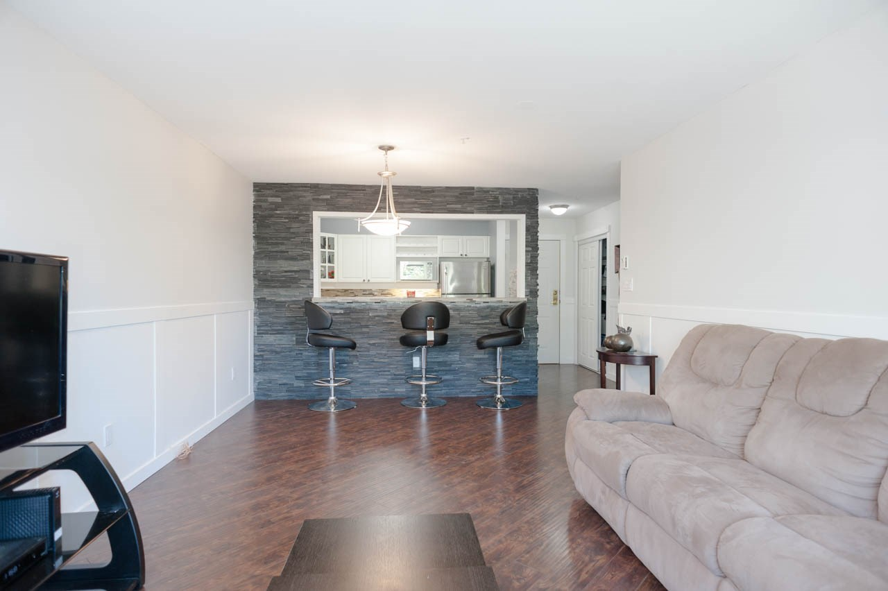 Condo Apartment at 319 1588 BEST STREET, Unit 319, South Surrey White Rock, British Columbia. Image 8