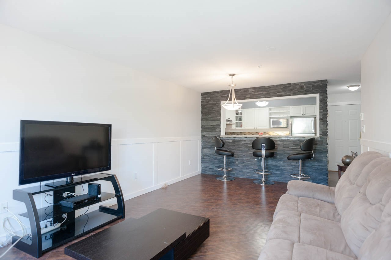Condo Apartment at 319 1588 BEST STREET, Unit 319, South Surrey White Rock, British Columbia. Image 9