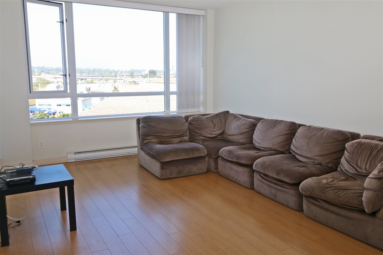 Condo Apartment at 808 3333 CORVETTE WAY, Unit 808, Richmond, British Columbia. Image 3