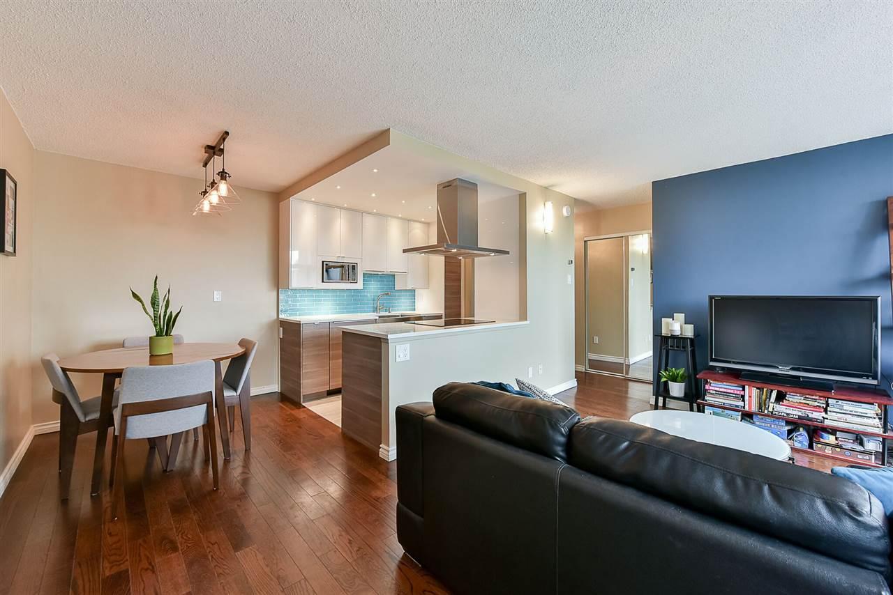 Condo Apartment at 1405 1740 COMOX STREET, Unit 1405, Vancouver West, British Columbia. Image 1