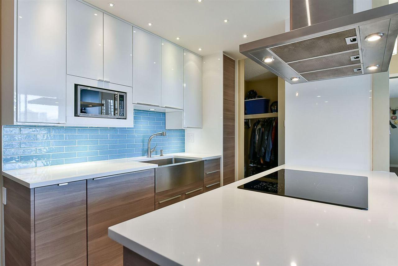 Condo Apartment at 1405 1740 COMOX STREET, Unit 1405, Vancouver West, British Columbia. Image 2
