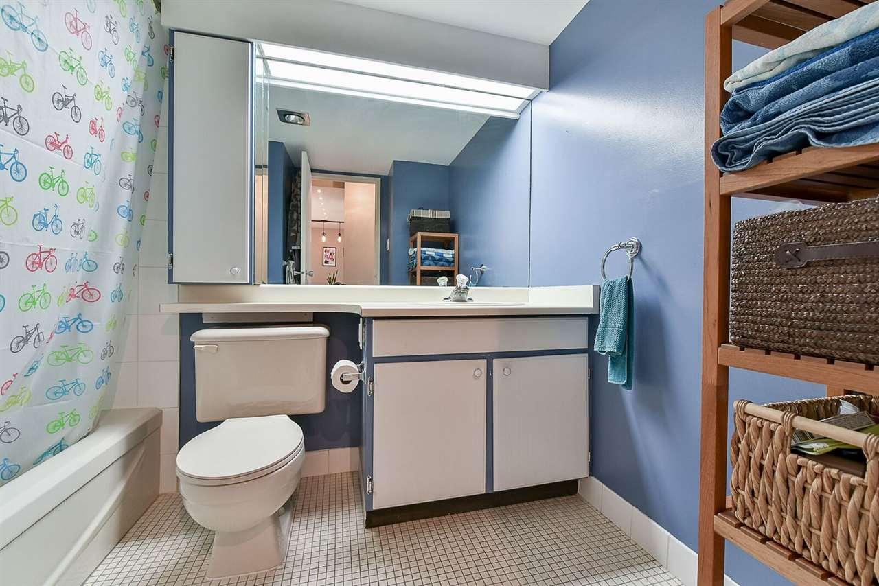 Condo Apartment at 1405 1740 COMOX STREET, Unit 1405, Vancouver West, British Columbia. Image 12