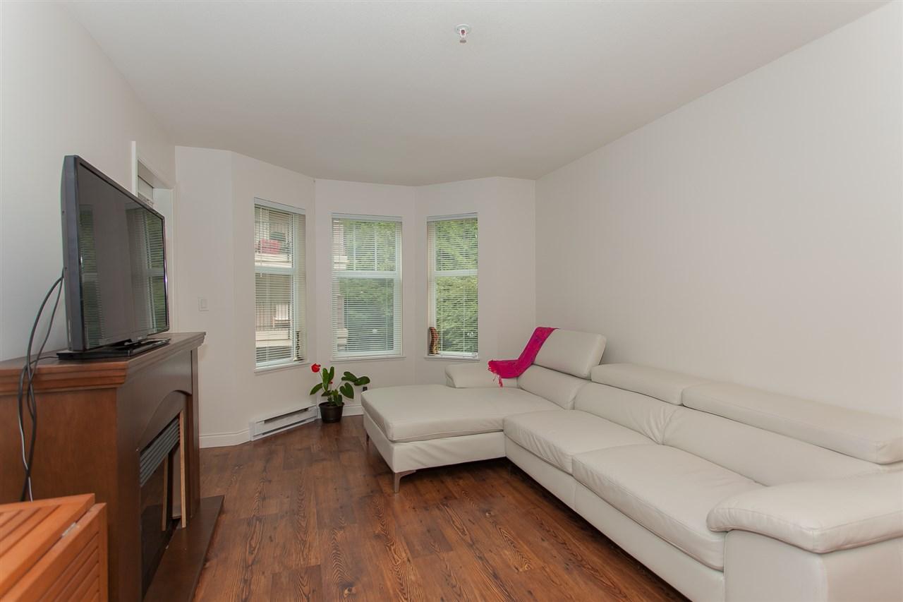Condo Apartment at 207 5438 198 STREET, Unit 207, Langley, British Columbia. Image 3