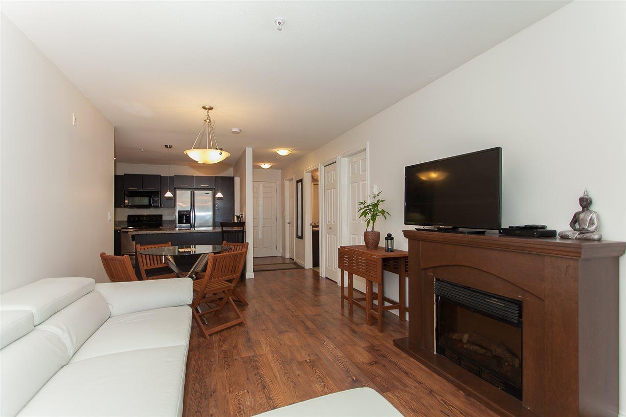 Condo Apartment at 207 5438 198 STREET, Unit 207, Langley, British Columbia. Image 4