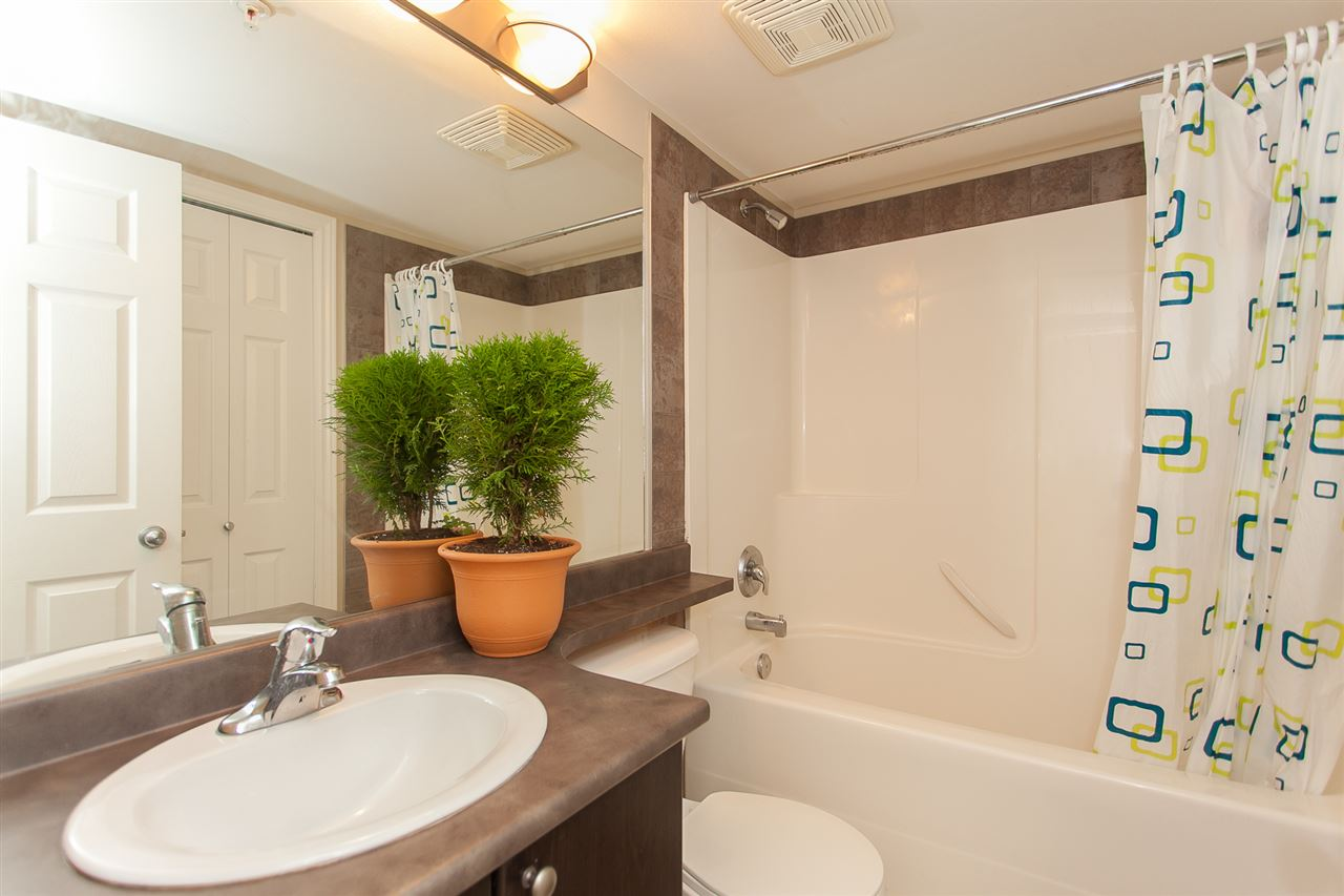Condo Apartment at 207 5438 198 STREET, Unit 207, Langley, British Columbia. Image 15